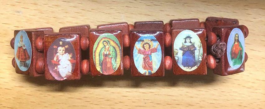 Bracelet de suerte qui sont les Saints