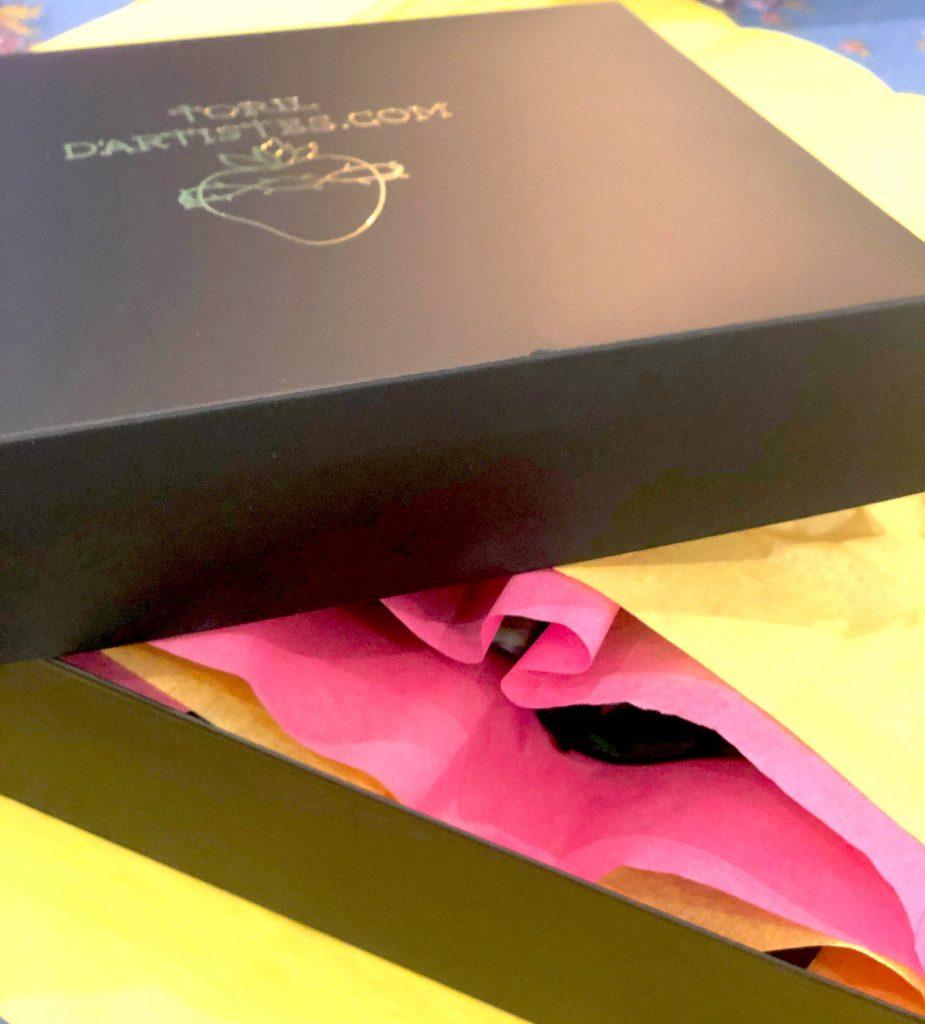 les papiers de soie rose et jaune